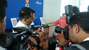 Faiz Al-Shahab of e-Sentral with the media