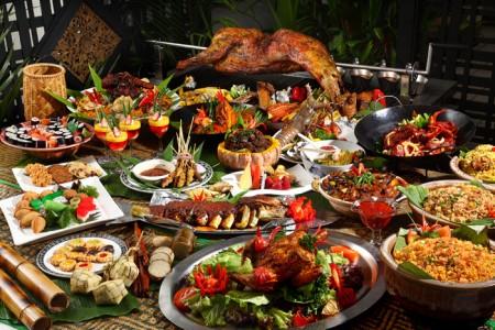 Saksikan rebutan makanan ketika buffet buka puasa Ramadhan tidak lama lagi